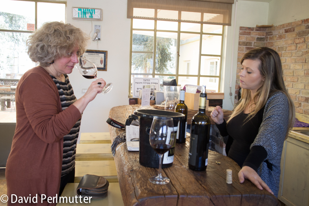 Wine Maker Lin Gold with Elizabeth Gabay MW